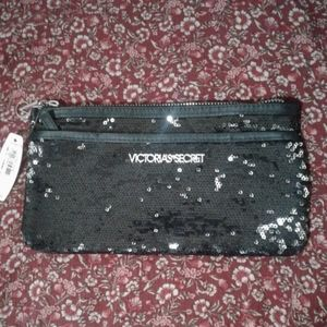 VS ♥️ LIMITED Edition Holiday Clutch NEW